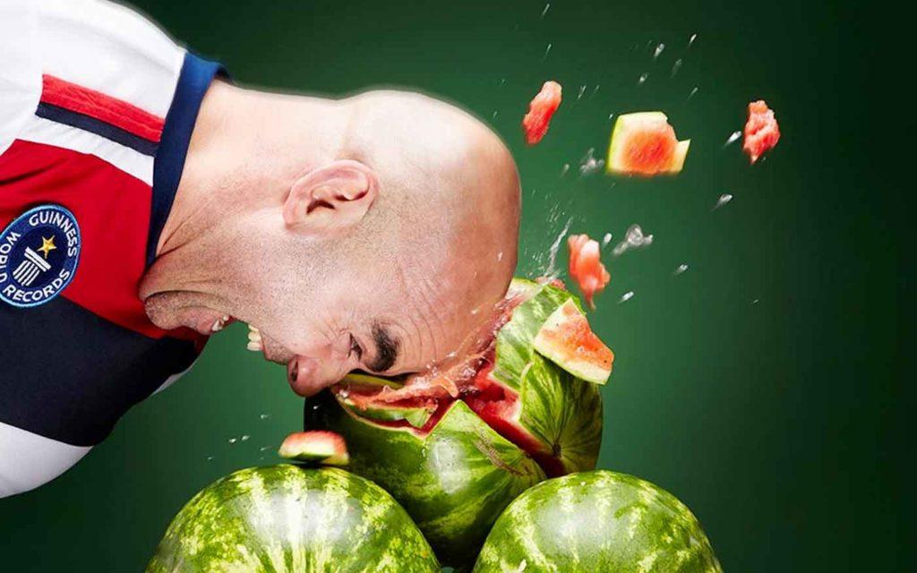 Najbizarnejšie svetvé rekordy - najviac rozbitých melónov hlavou za 1 minútu