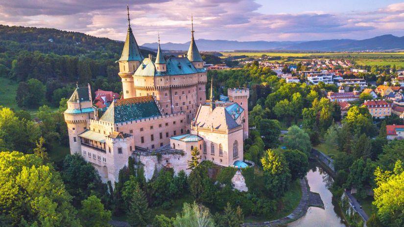 JEden z najkrajších zámkov na Slovensku - Bojnický zámok
