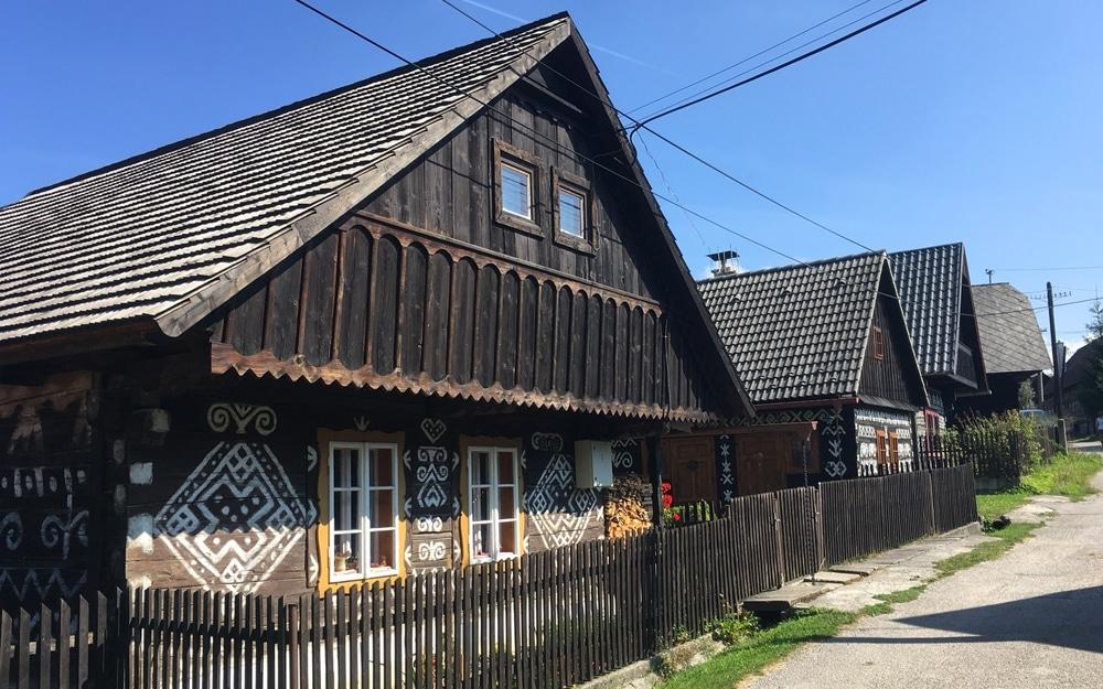 Fakty o Slovensku - dedinka Čičmany a jej architektúra